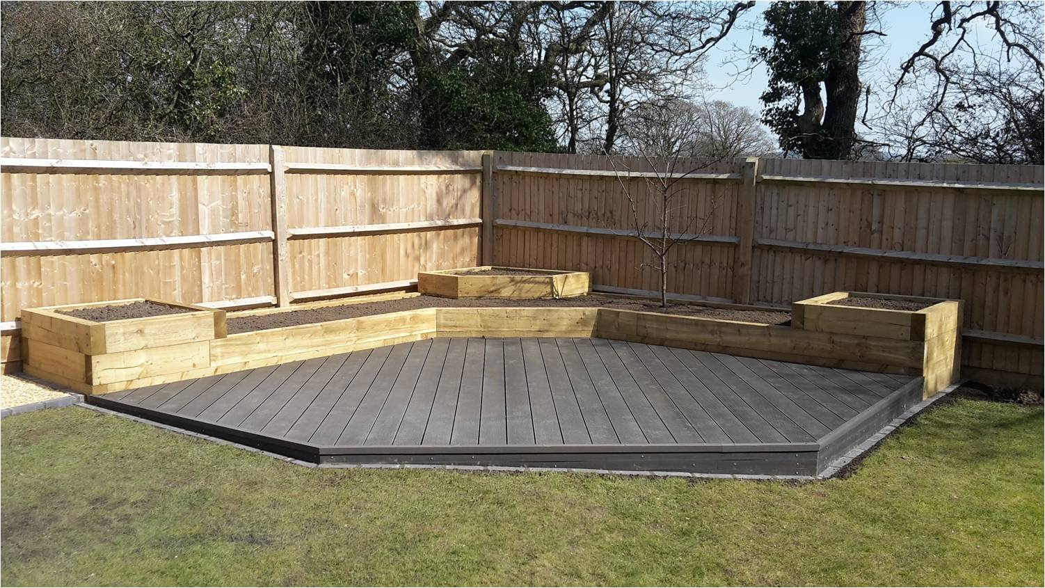 Sleepers decking rmw landscapesrmw landscapes for Garden pond design using sleepers